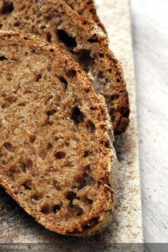 Ekşi Mayalı Tam Buğday Ekmeği nasıl yapılır ? Ayrıca size fikir verecek 11 yorum var. Tarifin püf noktaları, binlerce yemek tarifi ve daha fazlası...