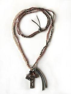 Redcor Kette mit Liebe von Hand gefertigt! - Buddha, Kreuz, Love, Perlen