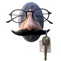 Porte-lunettes à accrocher au mur, permettant aussi de suspendre ses clés.