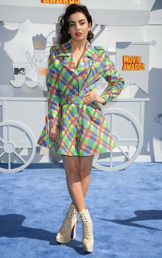 Charli XCX in a Jeremy Scott plastic raincoat at the 2015 MTV Movie Awards