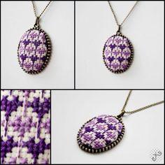 purple rose kanaviçe kolye Cross Stitching, Cross Stitch Embroidery, Cross Stitch Patterns, Hand Embroidery, Small Cross Stitch, Cross Stitch Rose, Embroidery Jewelry, Embroidery Designs, Brazilian Embroidery