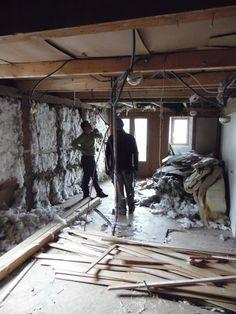 28. April 2015 - Augenschein an Ort und Stelle, ob das Öffnen des Daches die gewünschte Wirkung erzielt. Eine Lagebesprechung in mehreren Etappen...