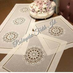 Crochet Purse Patterns, Cross Patterns, Crochet Purses, Crochet Lace, Embroidery Patterns, Crochet Cushions, Crochet Tablecloth, Glass Painting Designs, Paint Designs