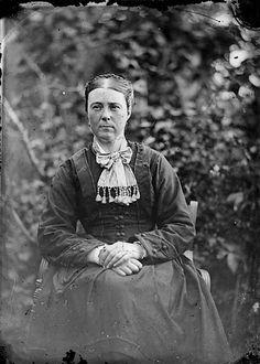 File:An unidentified woman NLW3364651.jpg