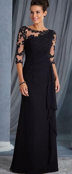 implicito: veo veo una señora con un vestido color negro explicito: me trasmite gusto porque su color negro le da elegancia y la modelo encaja perfectamente en el