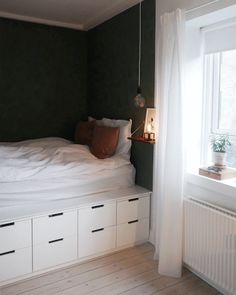 Trendy Bedroom Storage For Small Rooms Kids Platform Beds Bedroom Storage For Small Rooms, Beds For Small Rooms, Bedroom Ideas For Small Rooms For Adults, Bedroom Storage Ideas For Small Spaces, Tiny Master Bedroom, Ikea Bedroom Storage, Bedding Storage, Bedroom Ideas For Small Rooms Diy, Closet Storage