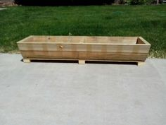 Recycled pallet planter box.