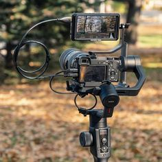 Autumn setup from Share yours and tag us🙌 Cannon Camera, Camera Rig, Camera Hacks, Camera Gear, Photography Studio Equipment, Photography Studio Setup, Photography Timeline, Dji Ronin, Photo Poses For Boy