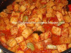 Sambal goreng tahu/tempeh (pedis) is een heerlijk vegetarisch gerecht van tahu en tempeh. De blokjes worden gebakken en daarna verwerkt...