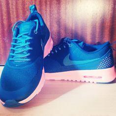 Air Max Thea blue pink