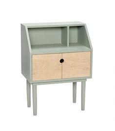 Mesa auxiliar con puertas de madera y menta.