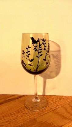 black oil based sharpie on a dollar tree wine glass. Put in oven first then turn oven on to for 30 min, let cool in oven. The ink set nicely, havn't tested in dishwasher, but hand washes well. Sharpie Wine Glasses, Sharpie Glass, Painted Wine Glasses, Sharpie Crafts, Sharpie Art, Black Sharpie, Home Crafts, Craft Projects, Crafts For Kids