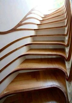 I'm fascinated by the look, but I'm also pretty sure I'd slide off, even with the steps perfectly horizontal, just because my head would be tilting with it.