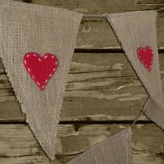bunting - hessian and hearts Rustic Crafts, Decor Crafts, Home Crafts, Fun Crafts, Diy And Crafts, Hessian Crafts, Hessian Bunting, Bunting Banner, Outdoor Bunting