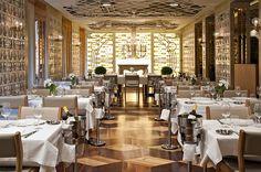 Interesting Ceiling @ Tres-Encinas-autoban-restaurant