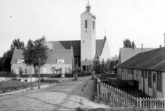 Vredeskerk. Foto uit 1936 van Adrianus Langejan. Vanaf de Vonder zie je links 3 huizen aan de Voorde.