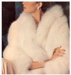 Vintage fur, old Hollywood glamour. Mode Editorials, Wedding Fur, Dream Wedding, Rustic Wedding, Vintage Outfits, Vintage Fashion, Dress Vintage, Classy Aesthetic, Fur Stole