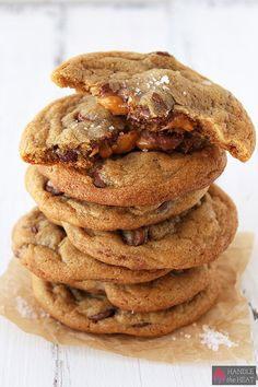 Salted Caramel Milk Chocolate Chip Cookies - Handle the Heat