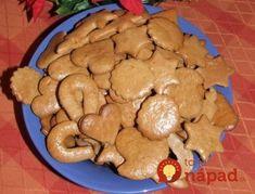 Za tento recept patrí veľké ďakujem pani Gabriele L., kým som nevyskúšala jej recept, nevedela som, čo sú mäkké medovníčky. Jej recept mám a pečiem už 10 rokov, robíme ich na jar, v lete a samozrejme nesmú chýbať ani na Vianoce. Radím ho každému, mám vyskúšané! Potrebujeme: 600 g hladkej múky 200 g práškového cukru... Cookies, Desserts, Food, Basket, Crack Crackers, Tailgate Desserts, Biscuits, Meal, Cookie Recipes