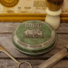 Reuzel - awesome grease for awesome look