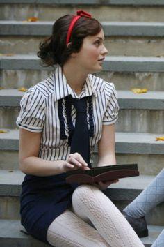 Blair Waldorf style: collared shirt + black tie + tights + skirt + red hairband. Love.
