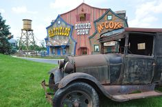 Hatfields & McCoys in Pigeon Forge is a wonderful show to bring family and friends!