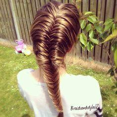 IDE A- mermaid fishtail braid