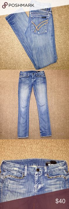 William Rast Studded Skinny Jeans William Rast Studded Light Wash Women's Designer Skinny Jeans in size 28 with an inseam of 32. In super great condition! Justin Timberlakes denim brand. William Rast Jeans Skinny