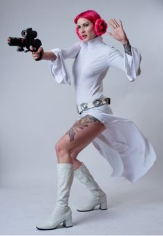 love it!!  pink haired Leia!