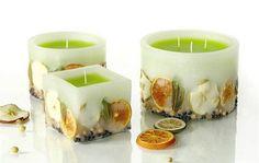Cómo hacer esencias para velas caseras -Aceite de oliva extra virgen, flores aromaticas o hierbas como la menta, mortero, frasco de vidrio, filtro o gasa.