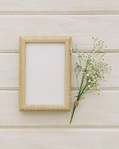 Wooden frame and bouquet of flowers , Black Background Wallpaper, Frame Background, Background Patterns, White Photo Frames, Picture Frames, Photo Frame Design, Powerpoint Background Design, Plains Background, Cute Frames