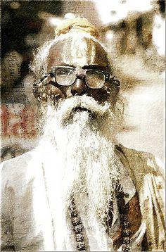 Yogis of the Kumbh Mela, Sadhu