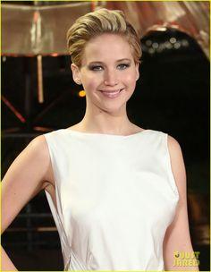 Jennifer Lawrence: 'Catching Fire' London Premiere Red Carpet! | jennifer larence catching fire london premiere red carpet 04 - Photo