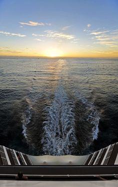 #MSCSinfonia Safe Harbor, Kabine, Sail Away, Sailing, Cruise, Explore, Sunset, Lifestyle, Random