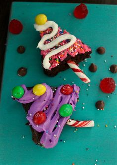 A fun way to get your kids involved in your Holiday baking! Everyone always loves a tasty brownie so why not decorate them with even more delicious treats? Christmas Tree Brownies, Christmas Trees, Holiday Gift Guide, Holiday Gifts, Holiday Baking, Creative Gifts, Candy Cane, Yummy Treats, Birthday Candles