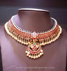 New Gold Necklace Design ~ South India Jewels Amrapali Jewellery, Bridal Jewellery, Antique Necklace, Gold Necklace, Rajputi Jewellery, Gold Jewelry Simple, Indian Wedding Jewelry, Necklace Designs, Beautiful Necklaces