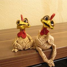 ROOSTER & CHICKEN Couple Nice Hand Made Ceramic Gift Sitting Funny Figurine