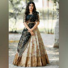Indian Gowns Dresses, Indian Fashion Dresses, Indian Designer Outfits, Designer Dresses, Half Saree Lehenga, Lehnga Dress, Indian Lehenga, Lehenga Choli Designs, Long Dress Design