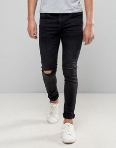 Browse online for the newest Pull&Bear Super Skinny Jeans With Knee Rips In Washed Black styles. Shop easier with ASOS' multiple payments and return options (Ts&Cs apply). Skinny Fit Jeans, Mens Distressed Skinny Jeans, Ripped Jeans Men, Ripped Knees, Biker Jeans, Black Jeans, Pull & Bear, Asos, Jean Délavé