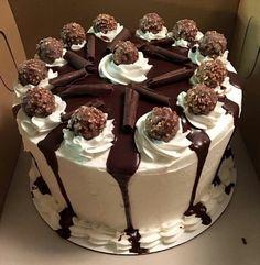 Ideas For Cake Strawberry Decoration Ideas Buttercream Frosting Cake Icing, Buttercream Cake, Food Cakes, Cupcake Cakes, Bolos Naked Cake, Rodjendanske Torte, Cake Recipes, Dessert Recipes, Cake Decorating Techniques