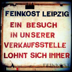 Dieses vielversprechende Schild hing früher in der Verkaufstelle des VEB Feinkost, im ehemaligen Eishaus // Feinkostgelände // via feinkostblog.wordpress.com