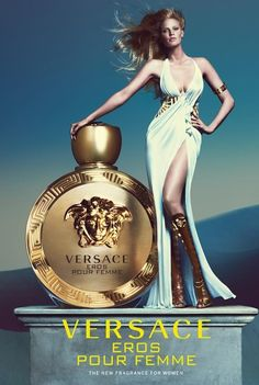 """Lara Stone Is A Greek Goddess In Versace """"Eros Pour Femme"""" Ad Supermodel Lara Stone is the face of the new ad campaign for Versace's new women's scent """"Eros Pour Femme"""". The dutch beauty stars. Lara Stone, Perfumes Versace, Versace Fragrance, Chanel Perfume, Gianni Versace, Atelier Versace, Donatella Versace, Versace Versace, Perfume Collection"""