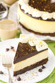 Baileys Brownie Cheesecake - a dense chocolate brownie, creamy Baileys cheesecake and chocolate ganache!