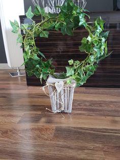 Betong potte, Blomst lagd av en gammel liane og blomstertråd