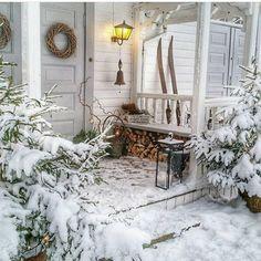 "mycozywinter: ""source: mycozywinter "" Simple Christmas, Winter Christmas, Christmas Time, Christmas Porch, Outdoor Christmas, Christmas Ideas, Christmas Tree Decorations, Christmas Lights, Hirsch Illustration"