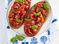Tomaatti-bruschettat