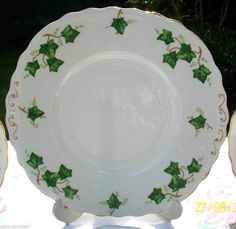 ~RARE & STUNNING VINTAGE!~    ~IVY LEAF PATTERN CAKE PLATE BY COLCLOUGH, ENGLAND~    ~MANUFACTURED FROM THE 1940s & DISCONTINUED IN 1996~    ~1ST