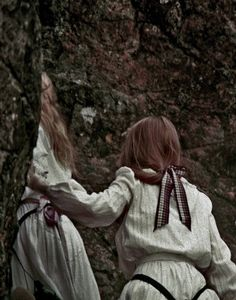 """cacophagy: """"Picnic At Hanging Rock by Peter Weir, 1975 """" Peter Weir, Picnic At Hanging Rock, Witch Coven, Romance, New Movies, Cult Movies, Film Stills, Love At First Sight, More Photos"""