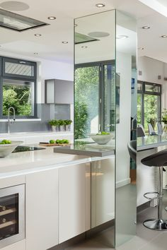 44 The Best Kitchen Mirror Ideas For Remodeling Your Kitchen Modern Kitchen Cabinets, Kitchen Interior, Kitchen Decor, Kitchen Ideas, Kitchen Furniture, Kitchen Mirrors, Wood Furniture, Eclectic Kitchen, Dark Cabinets