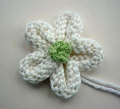 Knitted Flower Tutorial by Julie Taylor